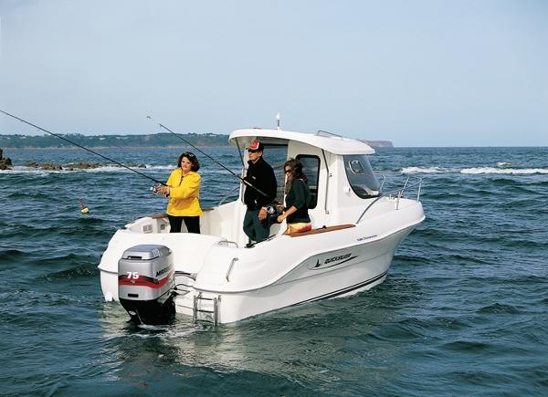 лодка морская рыба